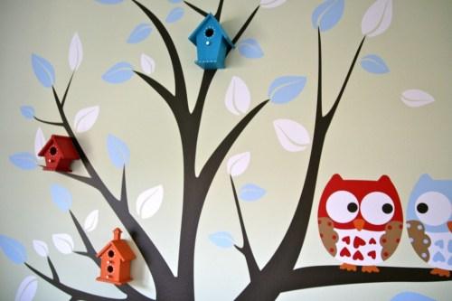 Wanddekoration mit Baum, Vogelhäuschen und Eulen, gesehen bei Project Nursery