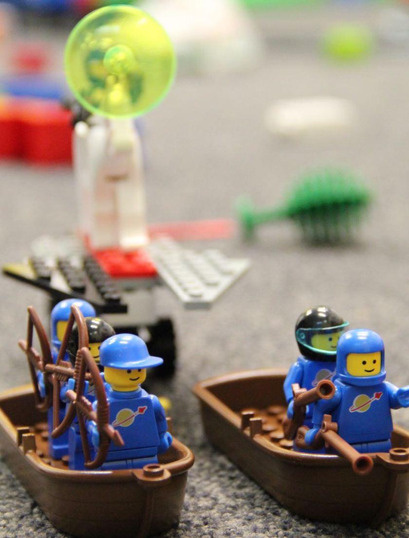 Der LEGO Held von Kind 1.0:  Ein Held hat immer treue Helfer