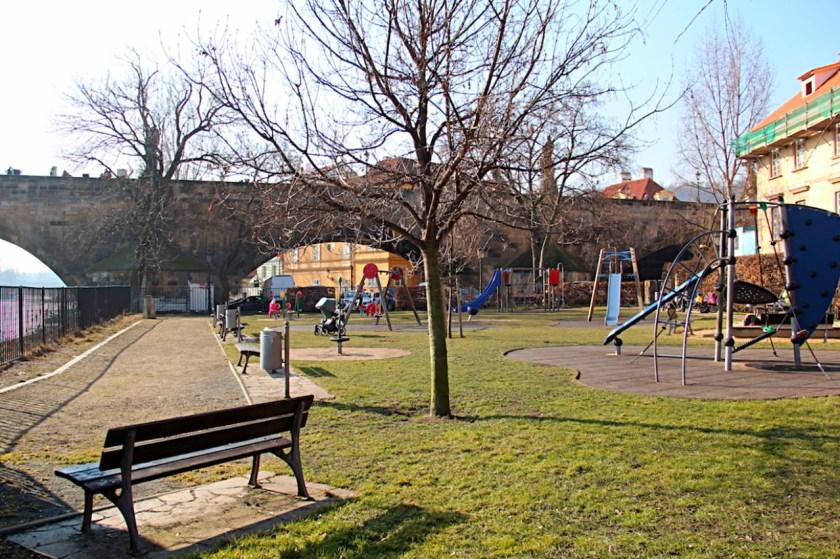 Ein schöner Spielplatz in Prag: Auf der Kleinseite direkt neben der Karlsbrücke