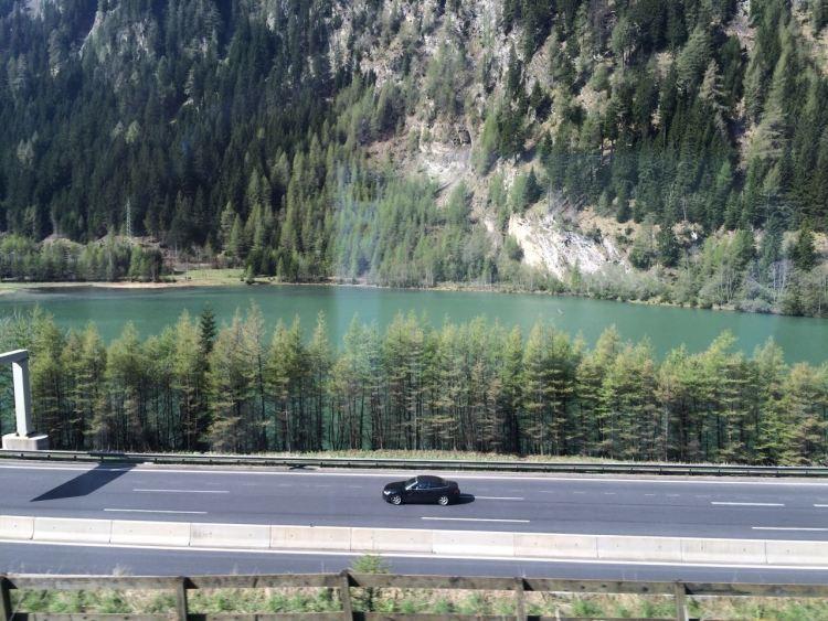Blick aus dem EuroCity auf den Brennersee