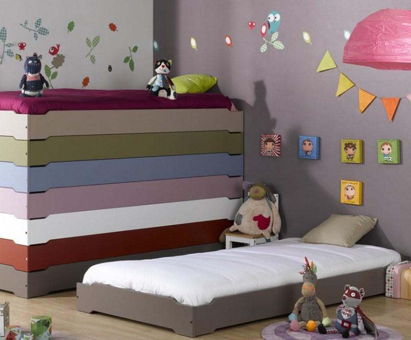 Stapelbare Kinderbetten in vielen Farben von Monpetit Kinderzimmer (www.monpetit-kinderzimmer.de)