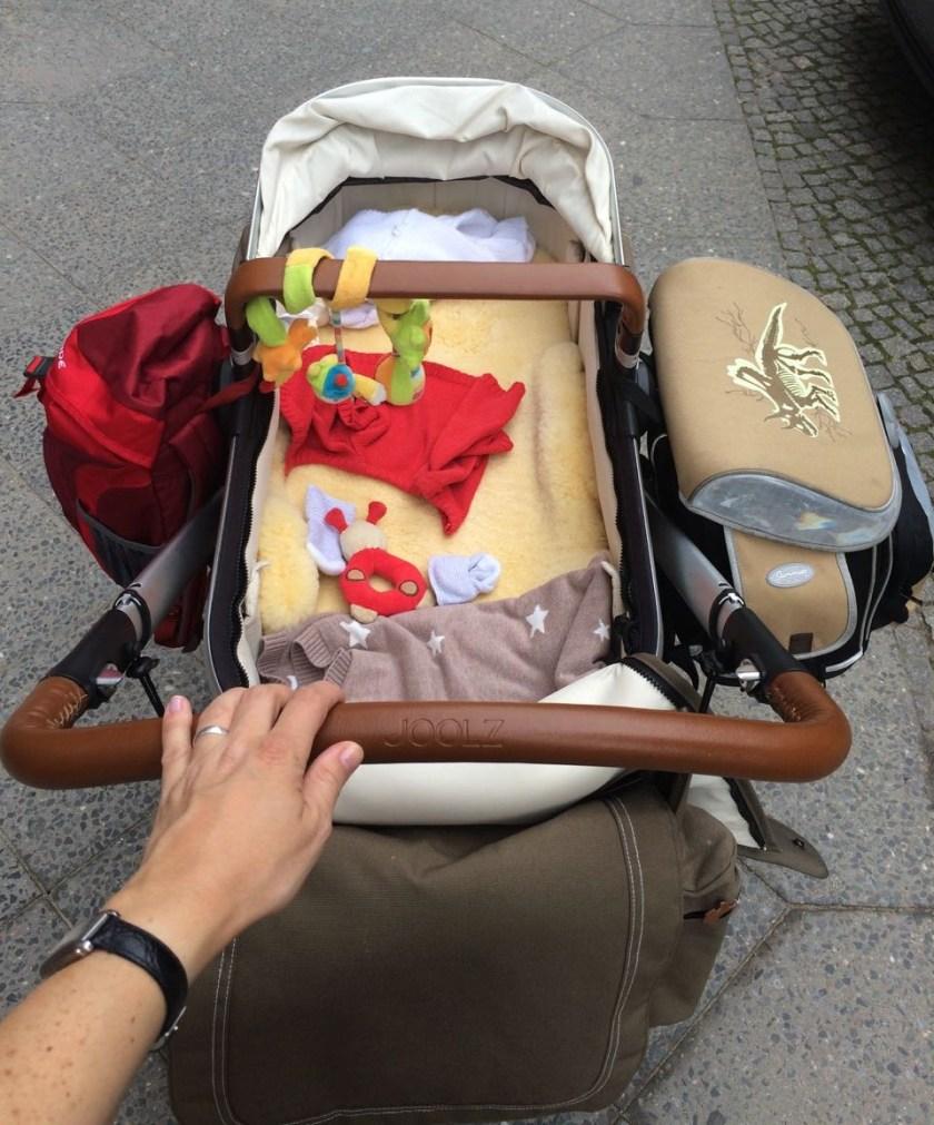 Mit dem Kinderwagen muss man einige Barrieren meistern, vor allem die in den Köpfen.