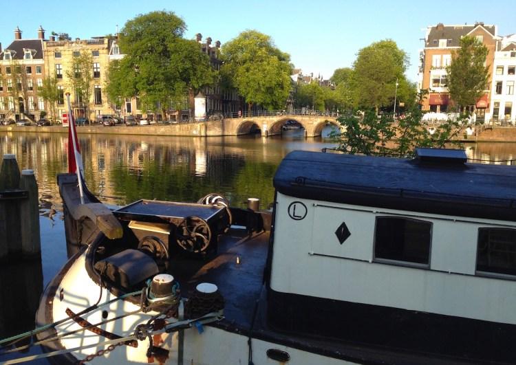 Mein Tipp für Amsterdam: Rein in die Laufschuhe und raus ans Wasser!