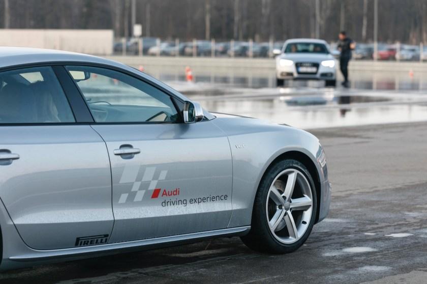Einmal Austoben bitte! Mit dem Audi S5 Avant auf der Teststrecke.
