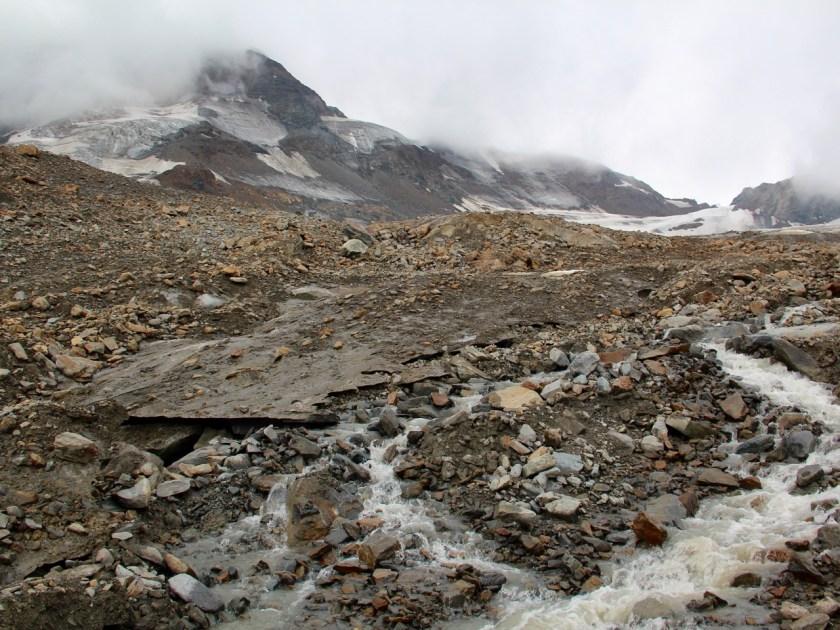 Tirol diesmal nicht barrierefrei: Der Weg zur Gletscherspalte im Kaunertal hat es in sich. www.berlinfreckles.de