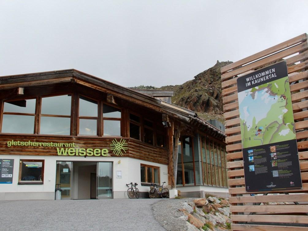 Tirol barrierefrei: Für eine Stärkung empfehle ich das Gletscherrestaurant. www.berlinfreckles.de