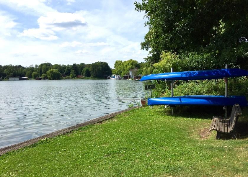 Lychen ist von sieben Seen umgeben. Egal in welche Richtung man läuft, man kommt am Ende immer am Wasser an.