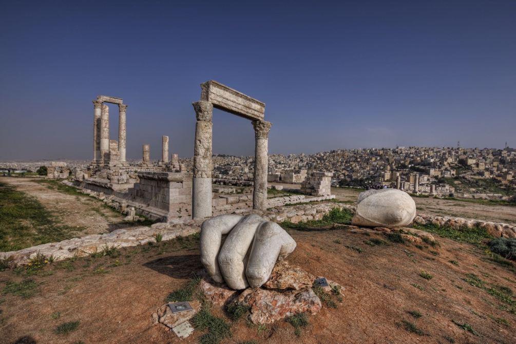 Amman - Zitadellenhügel mit Herkulestempel. Jordanien mit Kindern: Tipps und Reiseinspirationen findest du auf www.berlinfreckles.de