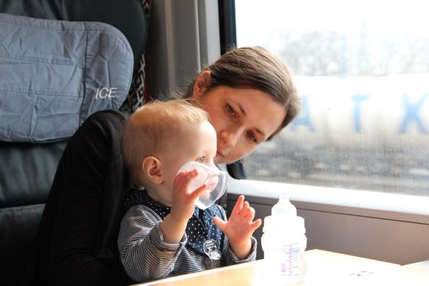 Bahnfahren mit Kindern: Für einen Kurzurlaub mit Kindern ideal, z. B. für eine Städtereise mit der Familie