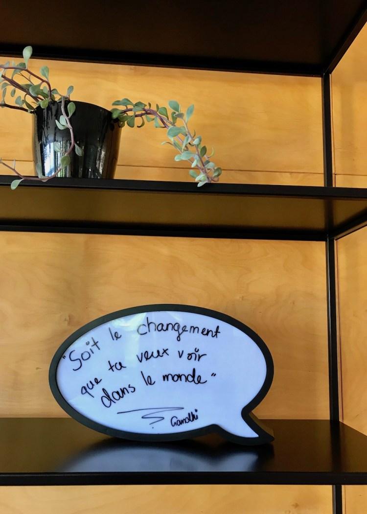 Jugendherberge Bella Lui Crans-Montana: Sois le changement que tu veux voir dans le monde. - Sei du selbst die Veränderung, die du dir wünschst für diese Welt. (Gandhi)