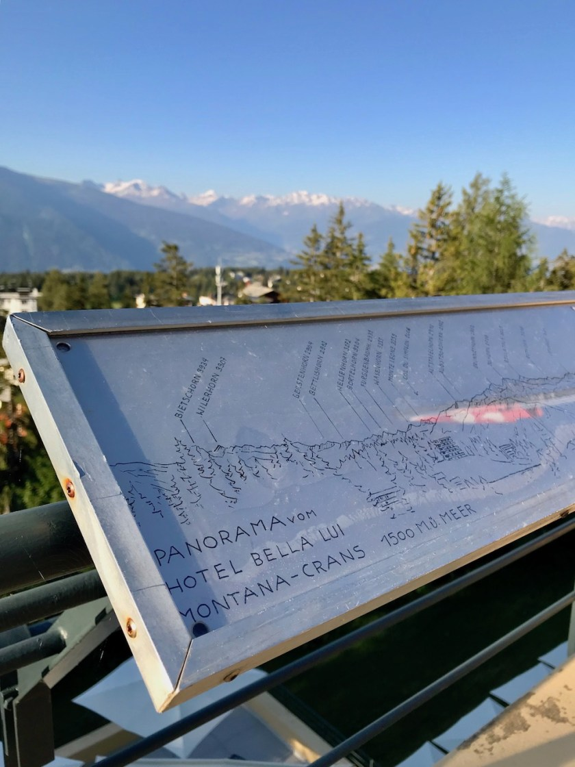 Jugendherberge Bella Lui Crans-Montana: Den Blick auf die Berge gibt's mit Erklärung