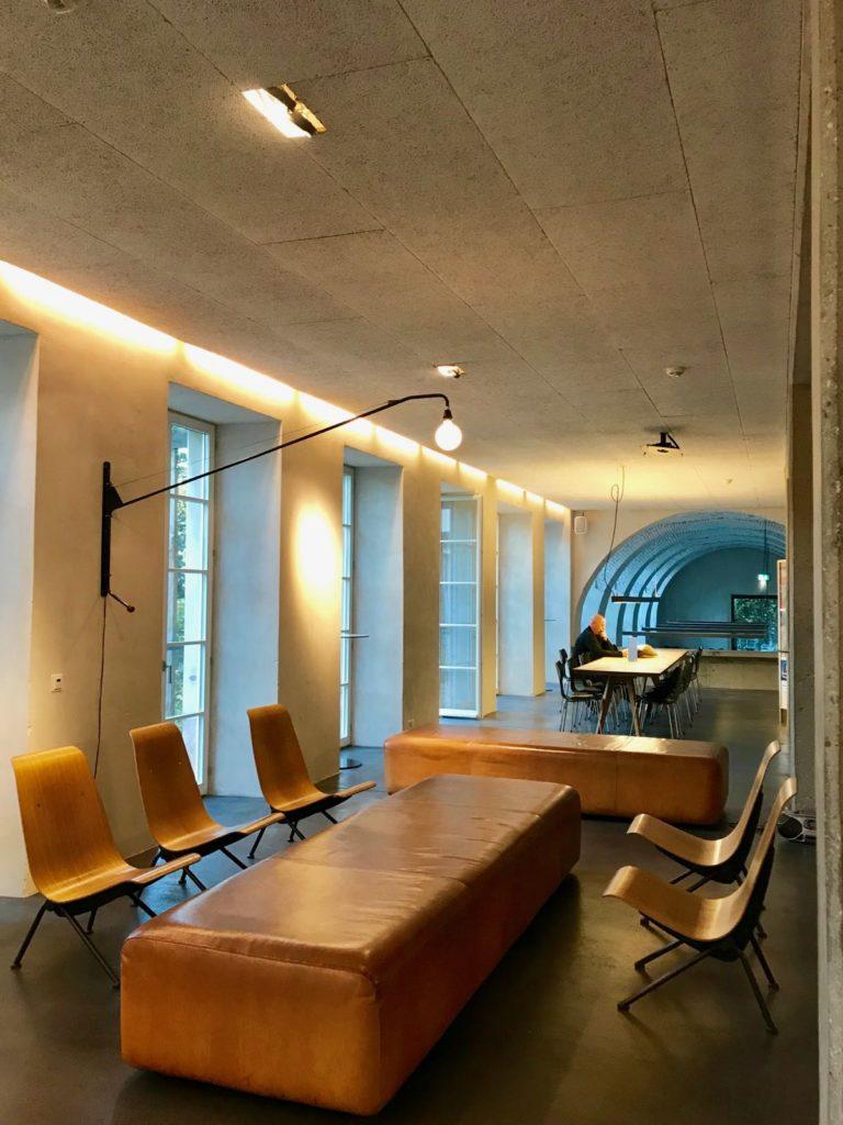 Jugendherberge Basel: Modernes Design in historischen Mauern