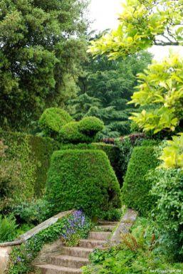 Berühmte Topiary - die Hidcote Vögelchen