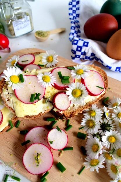 Brot mit Frühlingskräutern