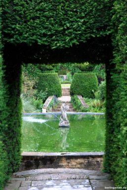 Durchblick über den Bathing Pool Garden