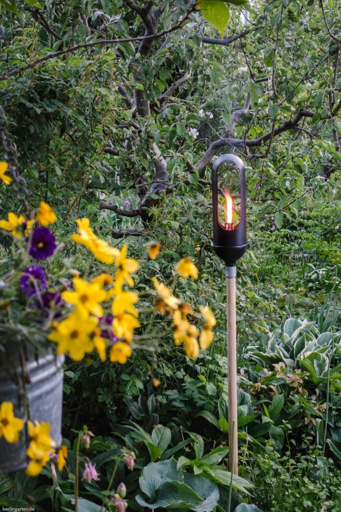 Die Gardena Fackel von ClickUp! brennt geschützt und lang