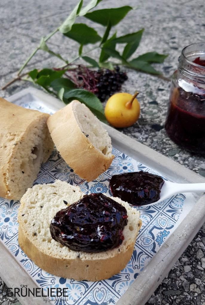 Rezepte aus dem Garten: Holunderbeeren-Birnen-Chutney