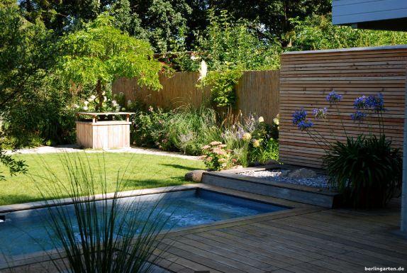 Landhausgarten von heute: überschaubarer Platz, dennoch sogar eine Sauna samt Pool untergebracht