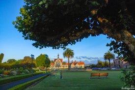 In Rotorua treffen Maori-Kunst und englisches Vermächtnis direkt aufeinander