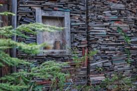 """Die """"Bibliothek"""" aus alten Holzschindeln"""
