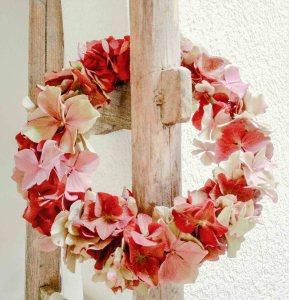 Hortensienkranz frisch in rosa