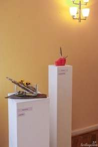 Gezeigt wurden so unterschiedliche Arrangements wie Materialien aus dem Wald oder Accessoires aus Plastik
