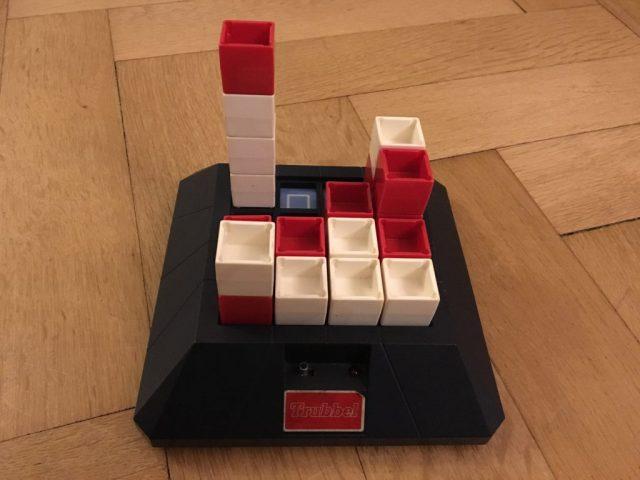 Altes Spiel 3D-Vier-gewinnt Trubbel