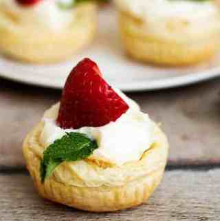 Puffed Pastry Strawberry Key Lime Cups (With Video)