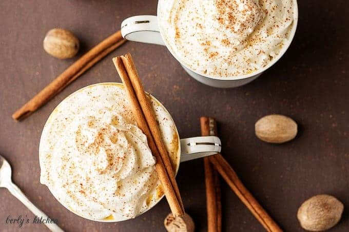 Our pumpkinspice latte creamer has all the seasonal flavors of your favorite coffee shop latte in the convenience of your own home.
