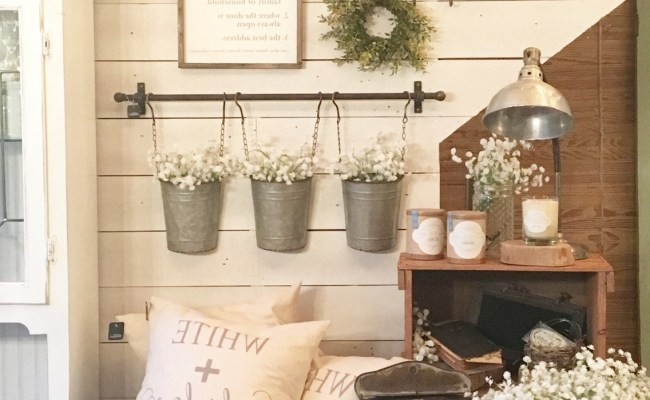 15 The Best Rustic Wall Accents