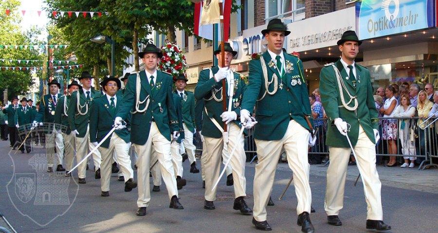 Wie immer vorbildlich: Die Bernardus-Parade am Kirmessonntag 2010.