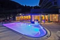 Geheizter Aussenpool im Hotel in Zell am See. - Hotel Berner