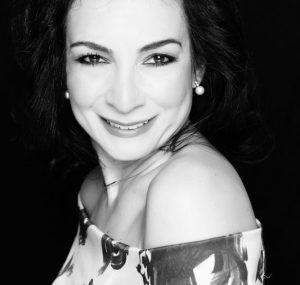 Lyrischer Sopran Karina Schwarz – Chanson und Broadway Show