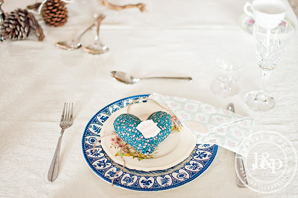 antique-place-setting