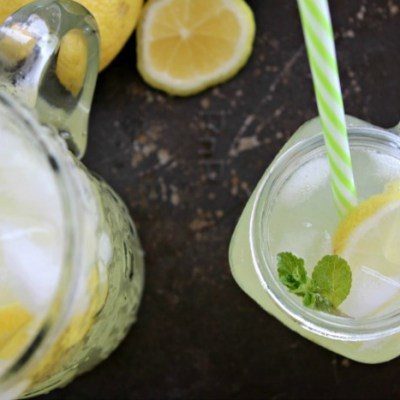 traditional homemade lemonade (sugar free)