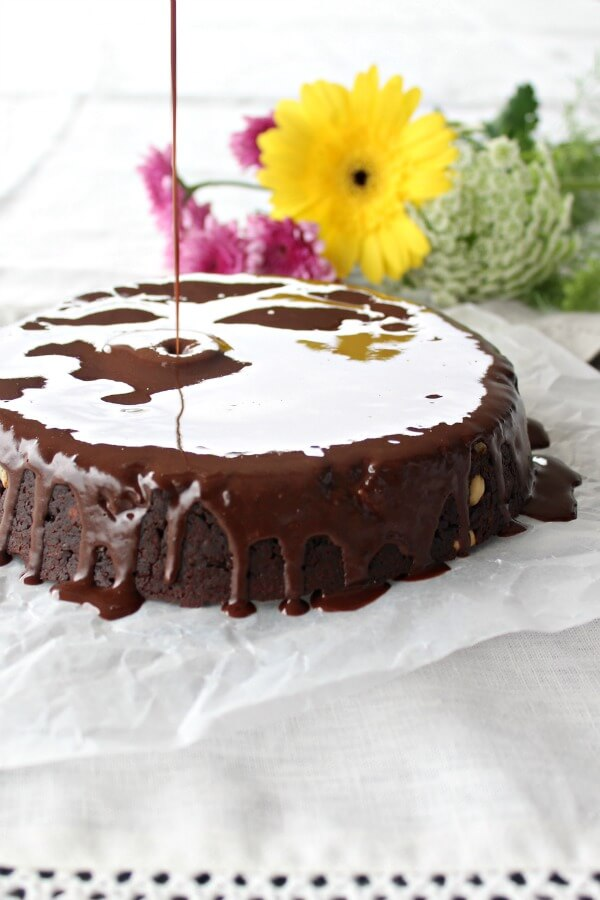 The Best Chocolate Brownie Cake - You won't believe how DELICIOUS this Sugar & Dairy Free cake recipe is! It's easy to make & will satisfy any chocolate craving. I LOVE this cake! | berrysweetlife.com