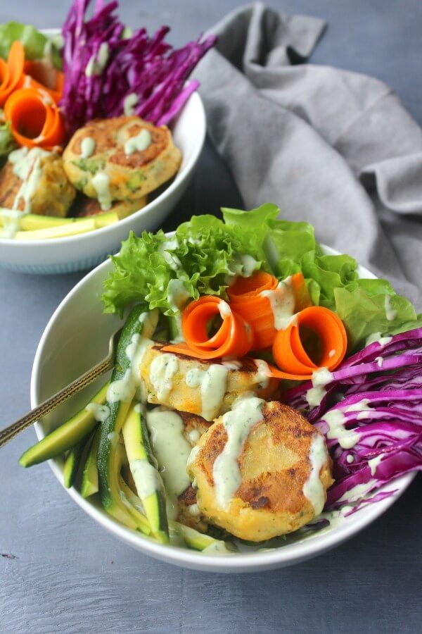 Garlic Ginger Masala Veggie Burger Bowls. A healthy vegetarian, fresh, delicious & satisfying meal that is quick to prepare and very versatile | berrysweetlife.com