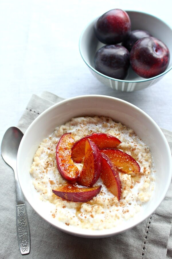 Caramelised Plum Oatmeal Bowls. Healthy, creamy, delicious breakfast in minutes! The whole family will love this recipe   berrysweetlife.com