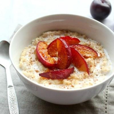 Caramelised Plum Oatmeal Bowls