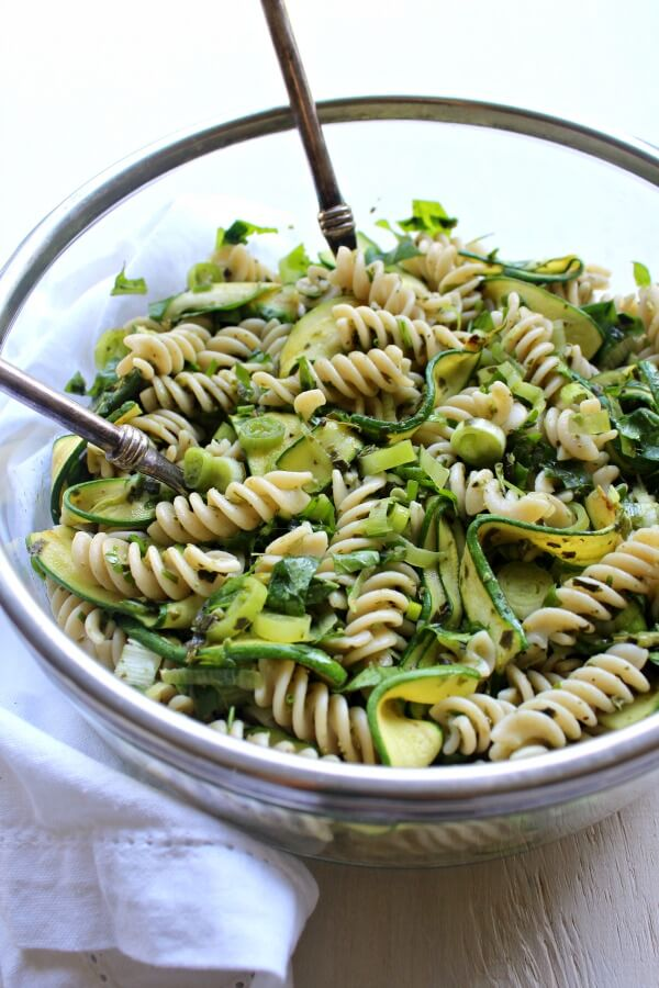 Green Goddess Pesto Pasta Salad. Get all your greens in one wholesome bowl with this seriously healthy & delicious pasta salad recipe! | berrysweetlife.com