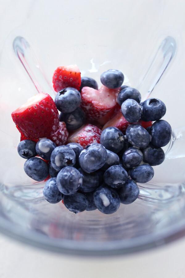 antioxidant berry blaze smoothie