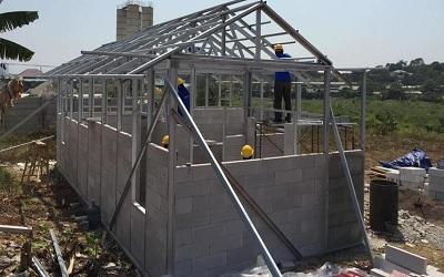 konstruksi baja ringan rumah minimalis keunggulan pondasi besi permata