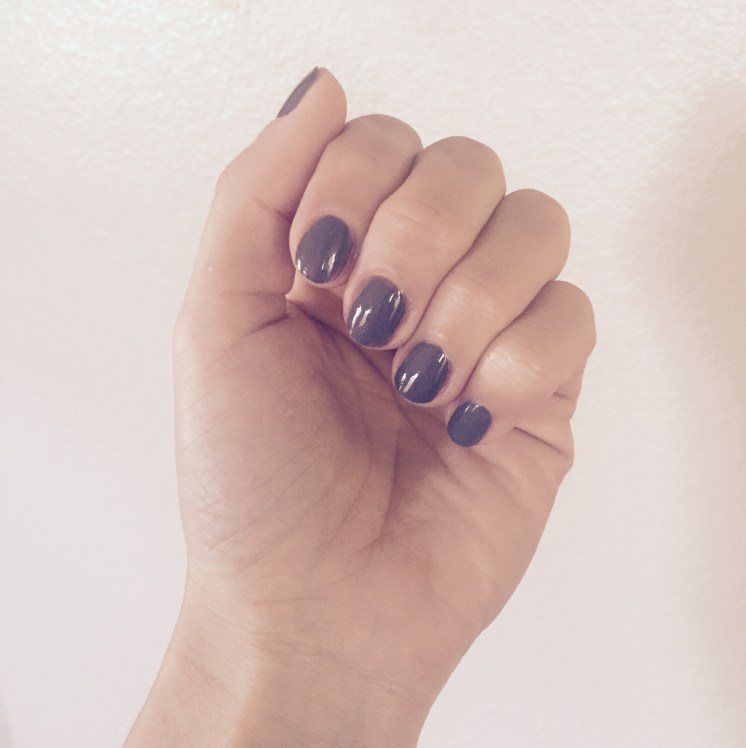 Do your own manicure at home with easy 8 steps