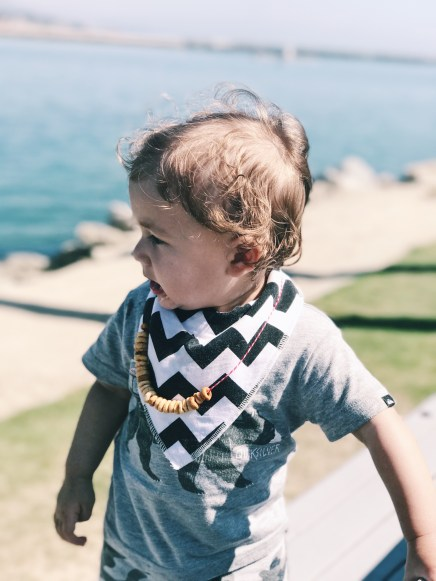 DIY Cheerio Necklace for teething toddler