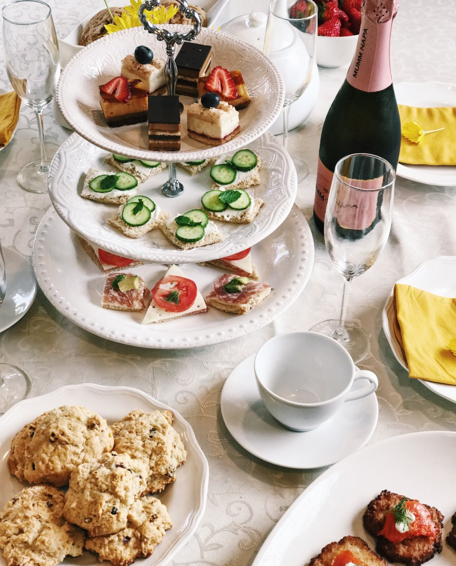 how to throw an afternoon tea