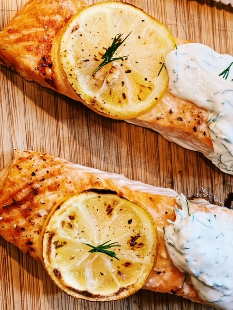 easy baked salmon with creamy dill sauce