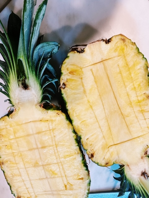 how to make pineapple bowls for pineapple fried rice recipe