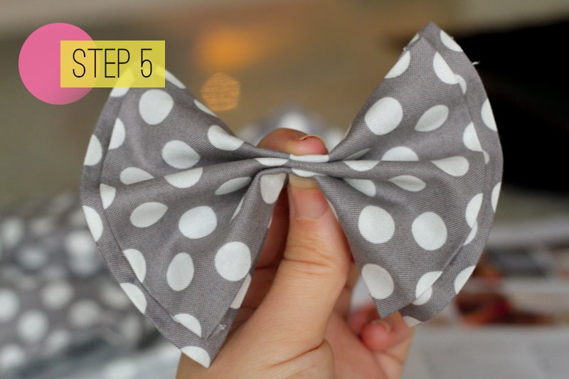 DIY How To Make A Bow Tie Polka dot Wedding DIY-5
