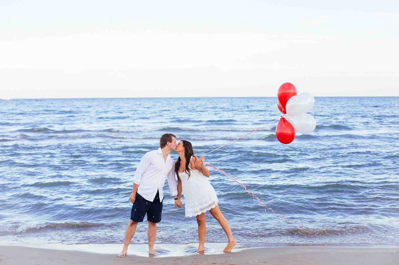 A Sweet Beach Engagement Featured Image