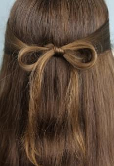 subtle bow cute girl hairstyles